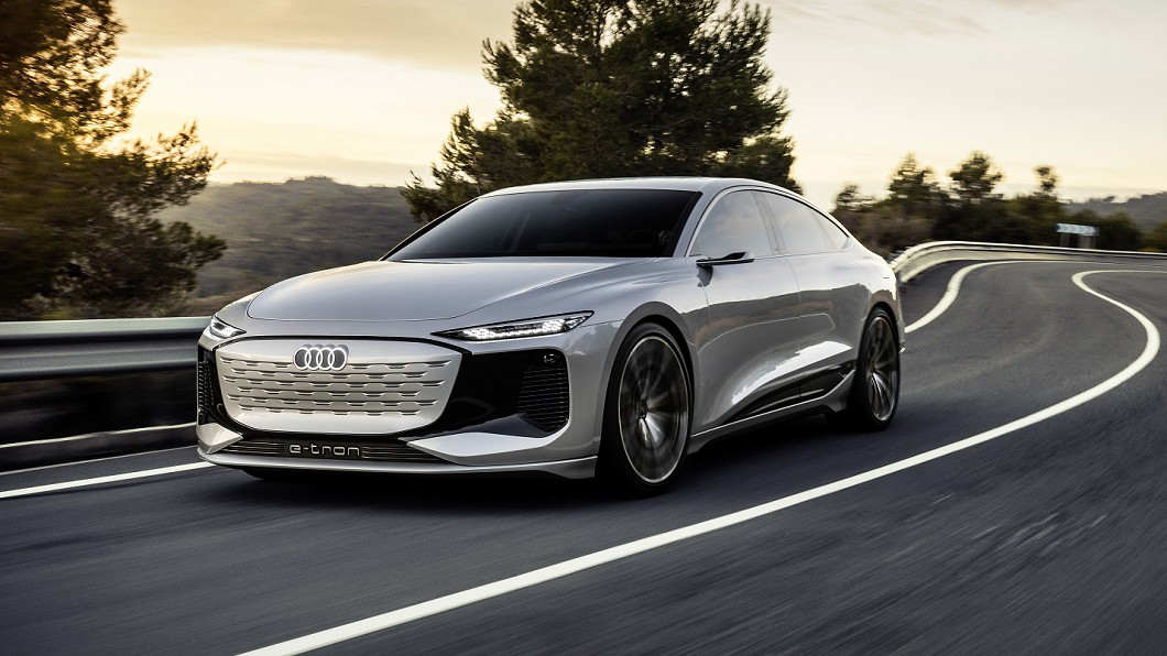 Audi於上海車展發表A6 e-tron新世代電動車。(圖片來源/ Audi) A6 e-tron電池北高來回沒問題 零百加速還不用4秒