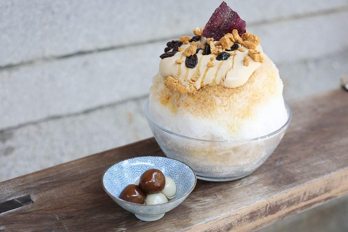 台南剉冰新選擇!「豆腐乳醬+椪糖」鹹甜超級搭,「海洋風」夢幻漸層也要點