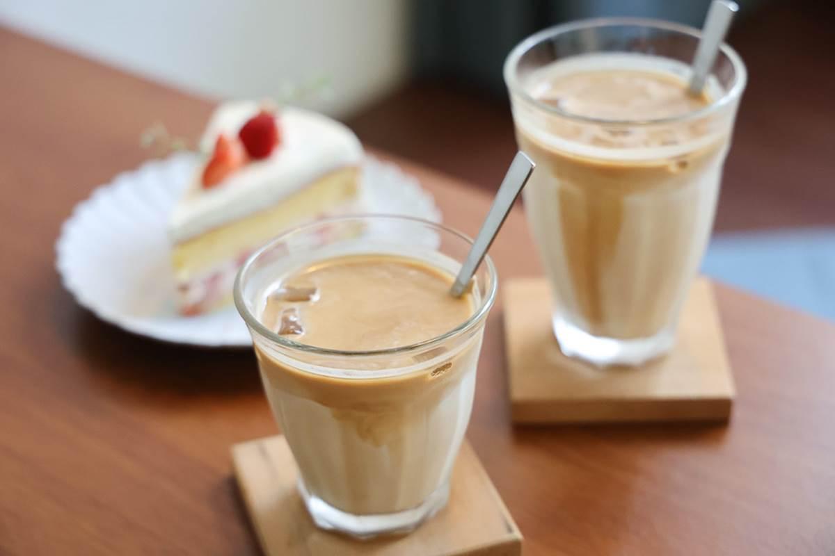 軍官宿舍喝下午茶!老宅咖啡廳怎麼拍都美,必點草莓戚風蛋糕+拿鐵超搭