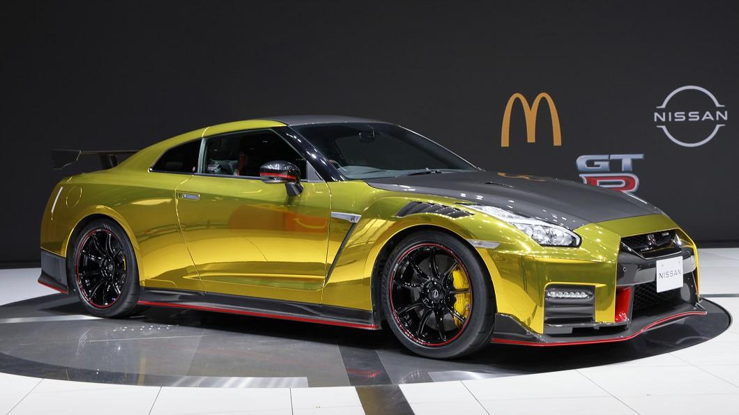 黃金聖衣版GT-R現身 一份麥當勞兒童餐就能擁有