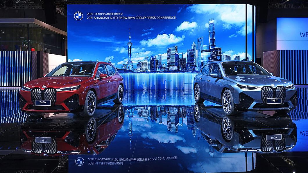 iX預計於今年第四季引進臺灣銷售。(圖片來源/ 汎德) BMW iX電動休旅確定第四季引進 國內快充網路計畫先行曝光