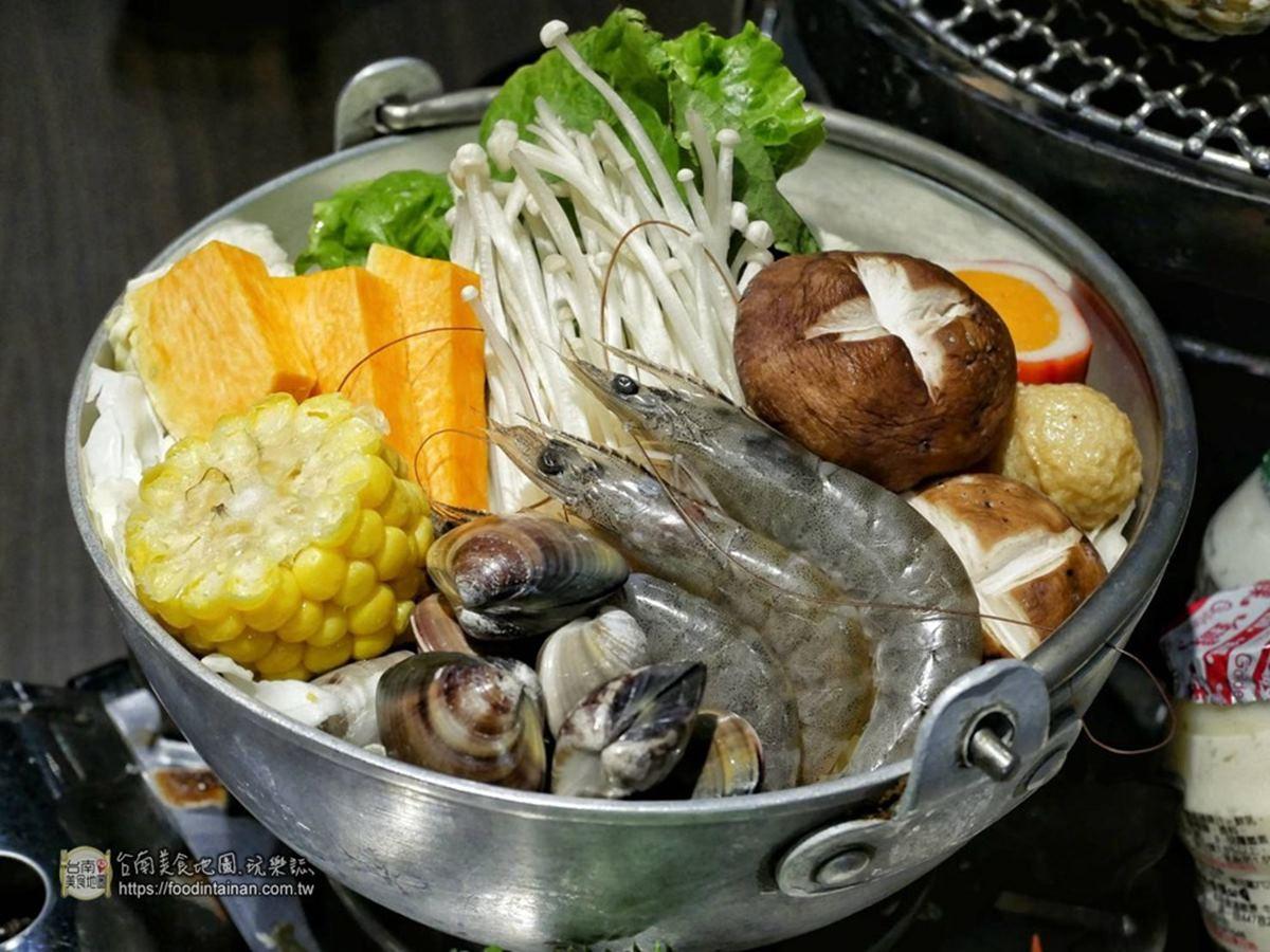【新開店】鮮蚵放題只要199起!台南浮誇3倍體牡蠣任你吃,4人同行限定加碼送龍蝦
