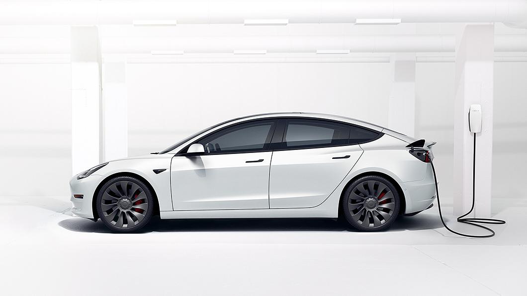 美國研究指出,有約兩成電動車車主更期待重回燃油車款懷抱。(圖片來源/ Tesla) 電動車主反悔機率有多高? 加州研究:近兩成