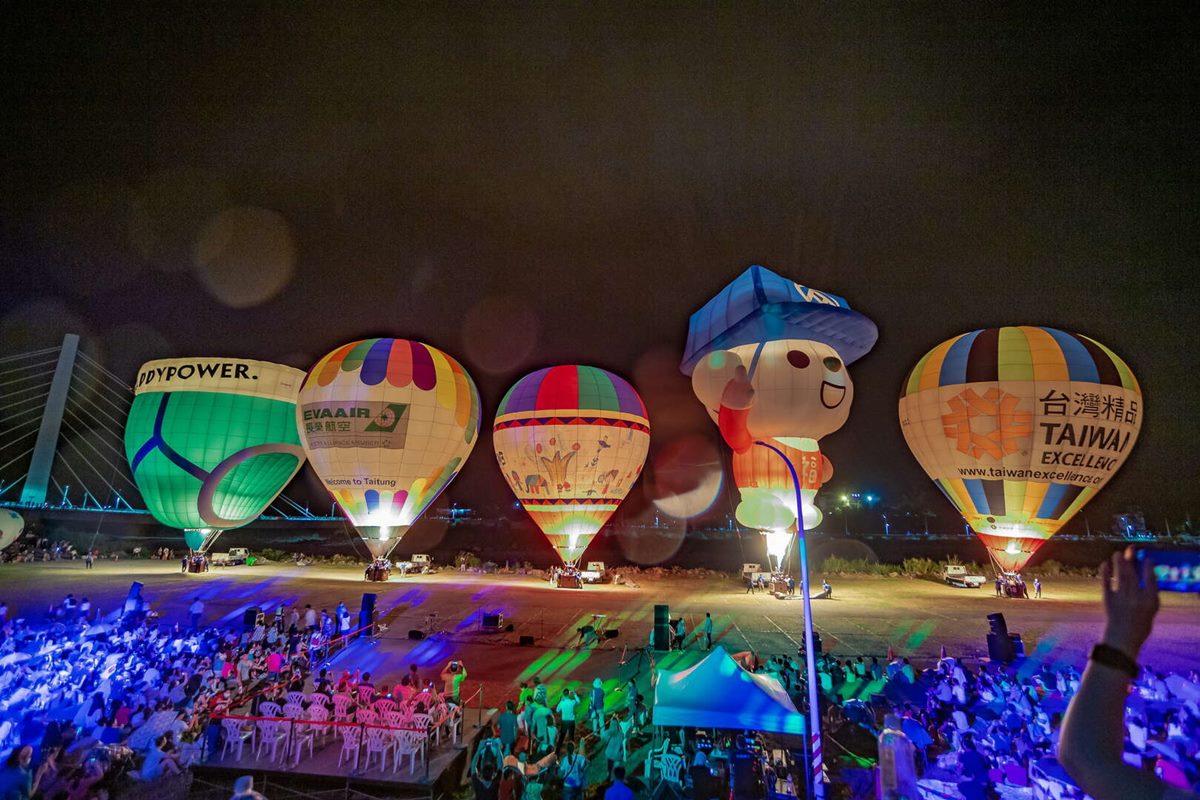 全球首個「Hello Kitty熱氣球」亮相!台東「2021國際熱氣球嘉年華」必看光雕音樂會場次公布