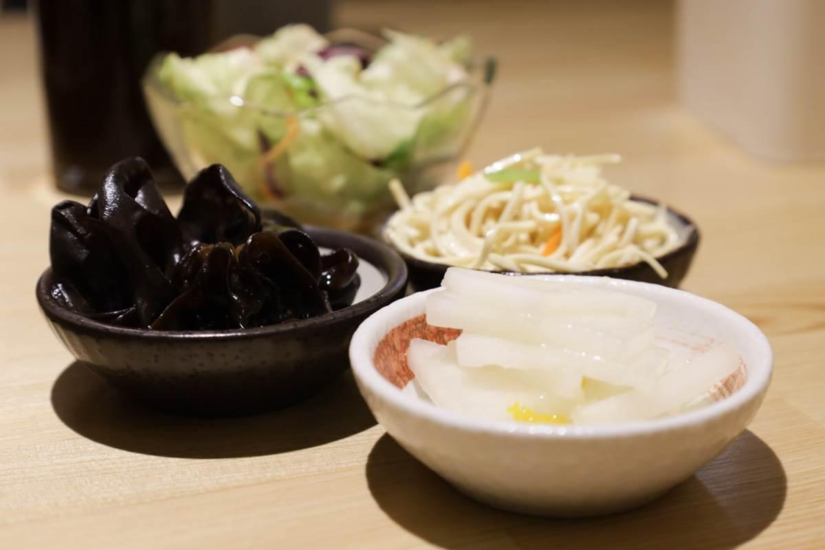 內用白飯、醬料免費續!評價4.7星咖哩必點「雙醬唐揚雞」,獨特芝士軟骨也超人氣