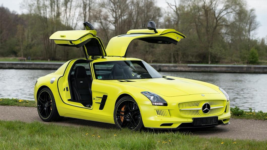 電動超跑的鼻祖,竟然是擁有百年造車歷史的M-Benz?(圖片來源/ RM Sotheby) 全球9台!賓士純電超跑身價暴漲2.5倍 電動版SLS現身拍賣網