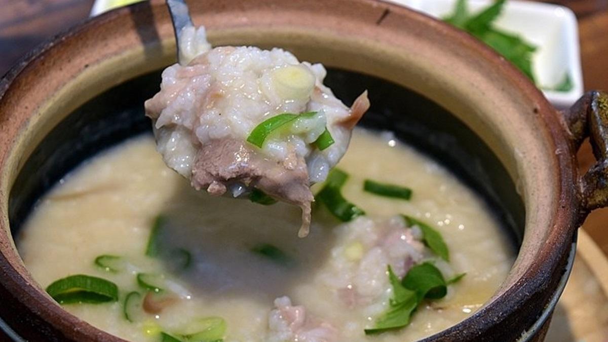 評價4.9星!老宅砂鍋粥「生米慢燉」還加堅果、花生醬提香,必點超鮮海味中卷鍋