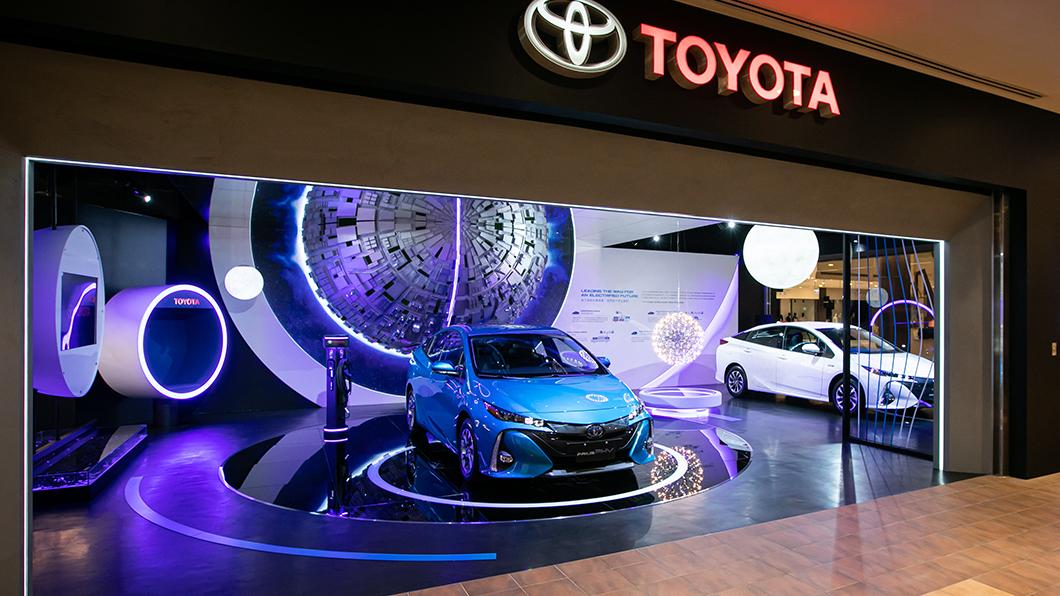 全台首間Toyota新型態概念店選在林口三井OUTLET 。(圖片來源/ 和泰) 2025年Toyota電動車款銷售翻倍 林口三井形象館展未來企圖