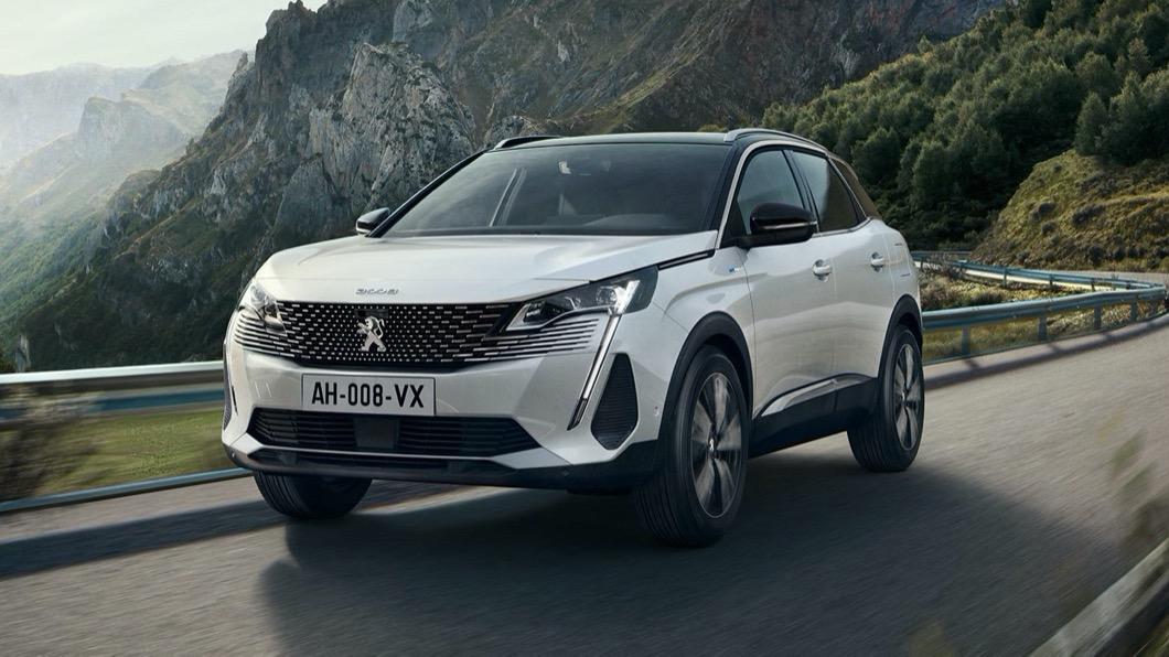 本月入主Peugeot 3008 SUV、指定車型享現金優惠,加贈3年3萬公里免費保養及最高10萬元消費抵用卷。(圖片來源/ Peugeot) 本月入主Peugeot 3008 SUV 寶嘉送你10萬元!