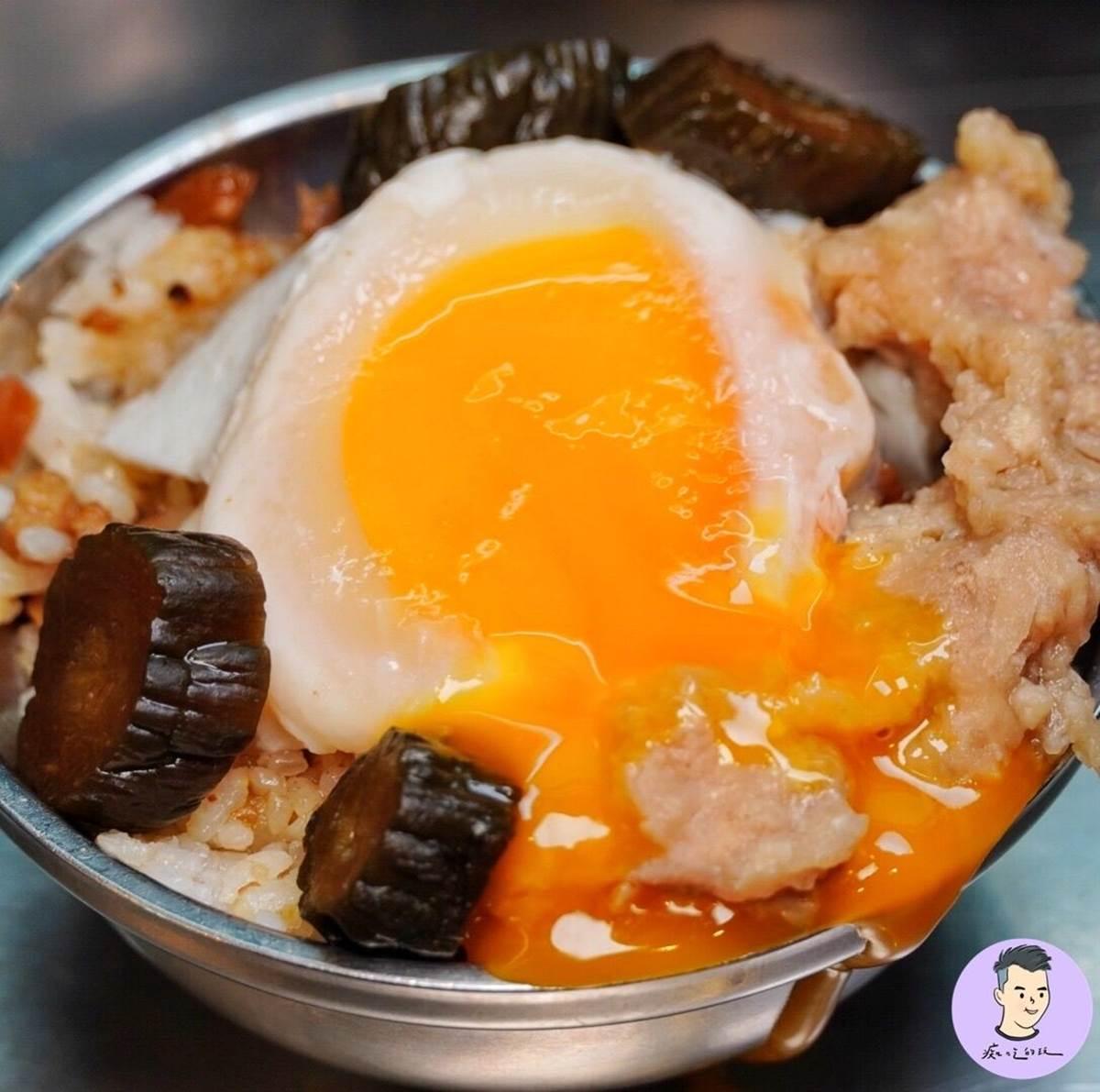 排隊也要吃!寧夏夜市7家老字號美食:40年鴨蛋滷肉飯、Q彈「黑心白玉」、秒殺級芋丸