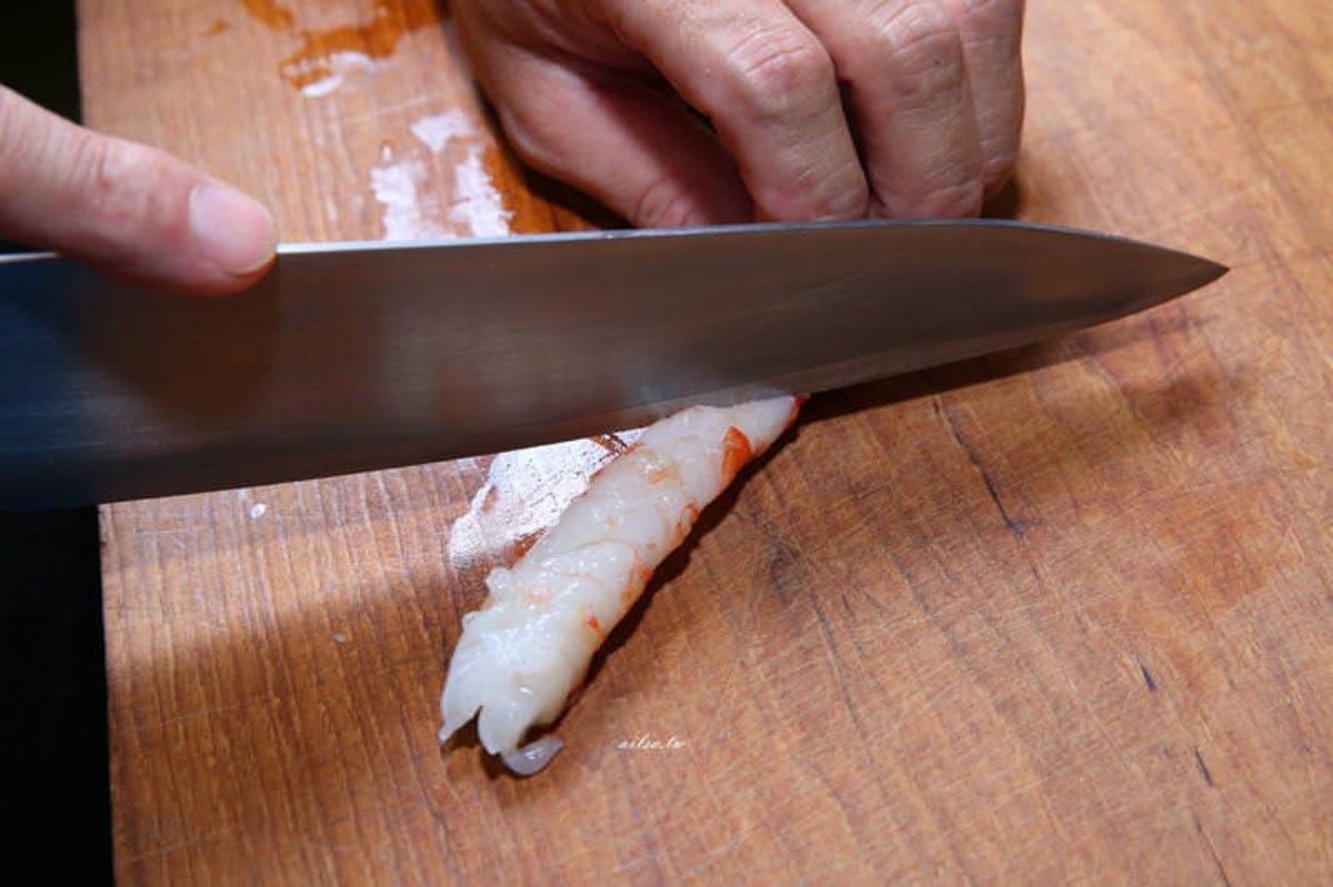 防疫自煮2道菜秒飛沖繩:神複製古宇利蝦蝦飯、「絕對成功」炒苦瓜,加碼炸蝦天婦羅