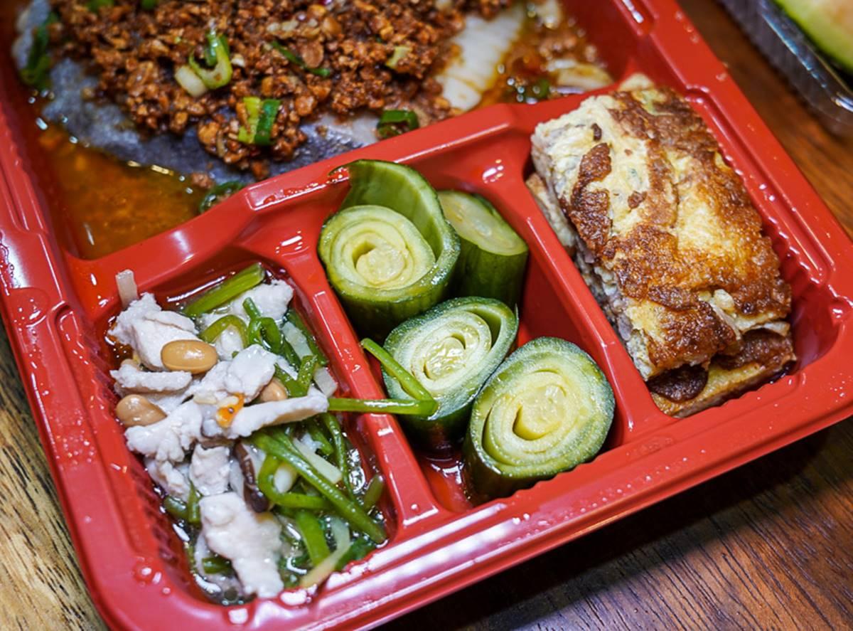 花蓮人外帶吃起來!3家澎派防疫餐盒:滿滿鮮甜土雞肉、銷魂厚切豆酥鱈魚、Q彈炸牛排