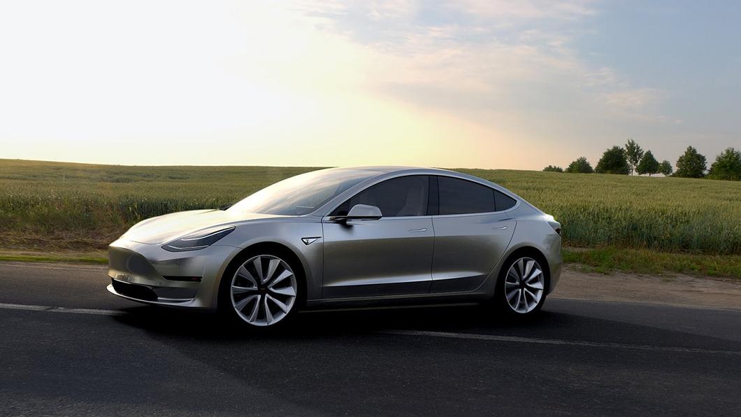 北美市場Model 3取消前雷達依舊得到IIHS最高安全等級的Top Safety Pick+認證。(圖片來源/ Tesla) Tesla成功的一手 Model 3拔掉這配備依舊是安全首選
