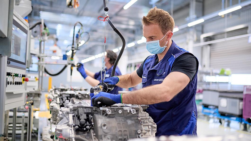 BMW為準備iX、i4投資7.9億歐元提升第五代Drive電力系統產能。(圖片來源/ BMW) iX、i4上線生產 BMW再撒266億增加電池產能