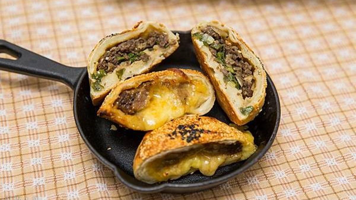 和現烤一樣酥!排隊胡椒餅宅配到家也好吃,必囤牽絲起司牛、多汁泡菜豬口味