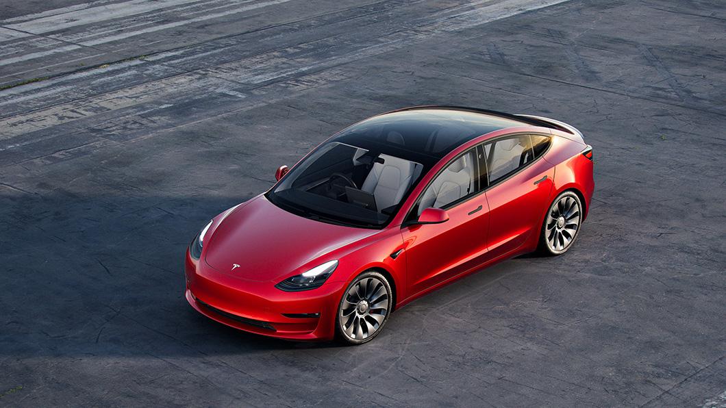 和運租車跨足電動車領域與Tesla合作,9月底前承租全新Model 3,前半年月租金只要1.88萬。(圖片來源/ Tesla) 電動車太貴就用租的吧! 和運推Model 3前半年月租只要1.88萬