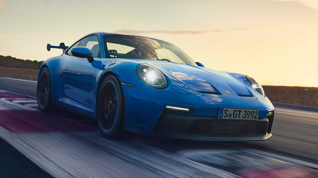 保時捷將要為GT3車型首度加裝主動式空力裝置?!我們熱切期待911 GT3 RS量產版上可以見到。(圖片來源/ Porsche) 911 GT3 RS巨型尾翼露餡 測試車現蹤紐伯林