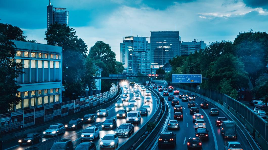 德國最有名的交通設施之一,Autobahn無限速高速公路間接促使近代汽車工藝的提升。(圖片來源/ Audi) 反對興建無限速高速公路 德國環保人士闖工地遭逮