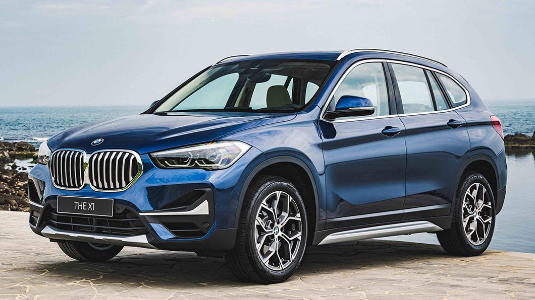 本月入主全新BMW X1 Deluxe Edition豪華版贈一年乙式全險,還可享BMW Yours多元智選月付9,900元分期方案或150萬60期0利率、三年租賃0利率等優惠。(圖片來源/ BMW) BMW X1 Deluxe豪華版售價185萬起 本月入主贈一年乙式全險