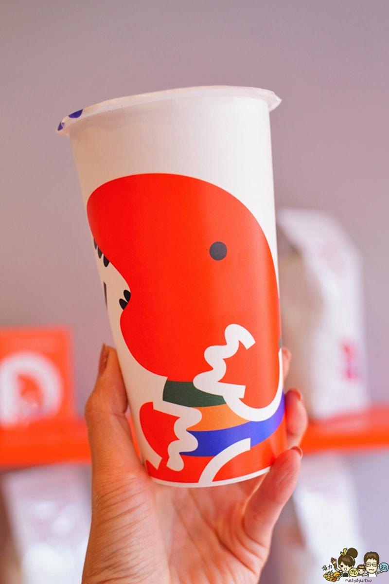 超有哏!人氣炸物店專賣「台式炸雞」搭咖啡,「薄皮嫩雞翅」要配自調椒鹽才過癮