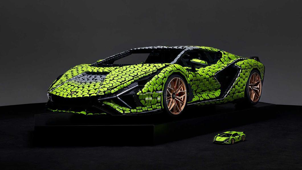 使用高達400,000片積木打造的1:1 Sián FKP37,從各方面看都可說是藝術傑作!(圖片來源/ Lamborghini) 樂高全尺寸Sián擬真度超狂 40萬片積木還原藍寶堅尼油電超跑