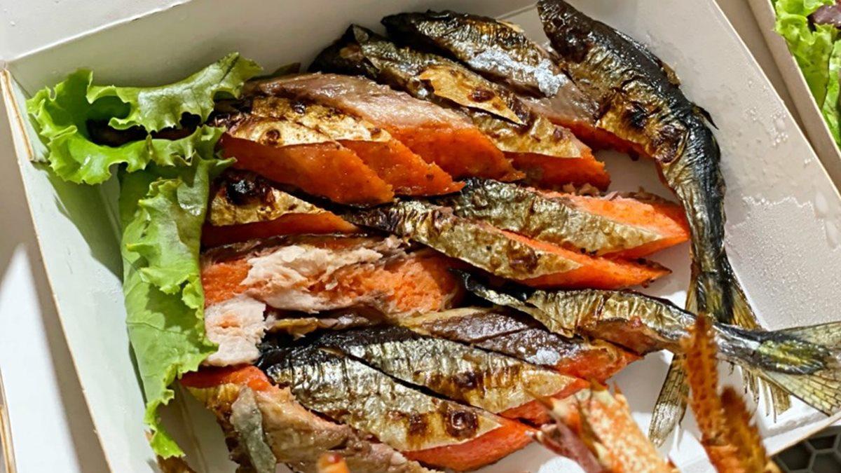 打包整隻龍蝦!浮誇系燒烤店「限量紅蟳」外帶也能吃,特製秋刀魚塞滿鹹香「明太子」