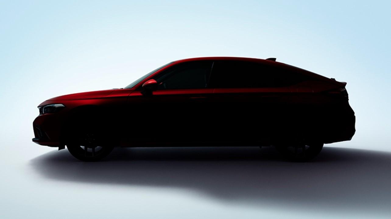 維持車系一貫的傳統,演化至第11代的Honda Civic,除了先前已公布的四門版本之外,也將推出五門掀背車款。(圖片來源/ Honda) 新世代Civic掀背版預告6/24現身 期待不會是他國事務
