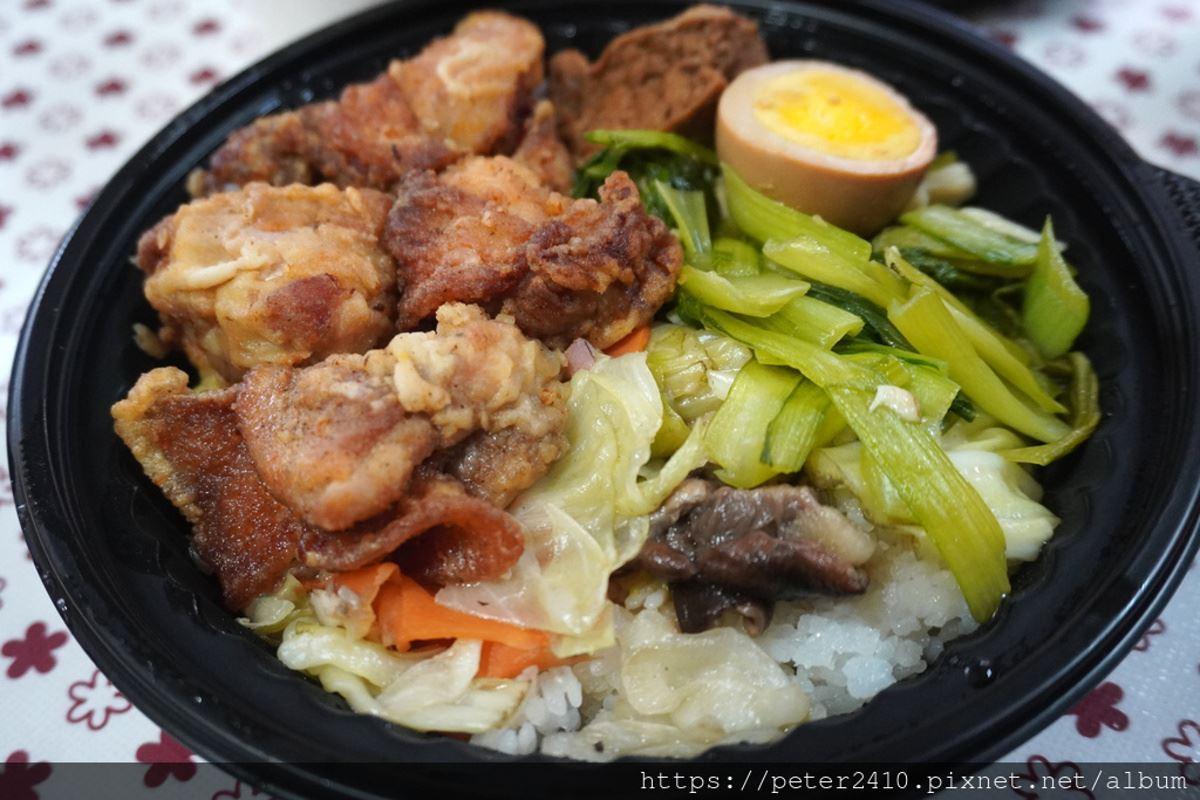 外帶日料再+1!高CP值「九宮格便當」有大塊鮭魚、天使蝦,超入味老滷東坡肉也必嘗