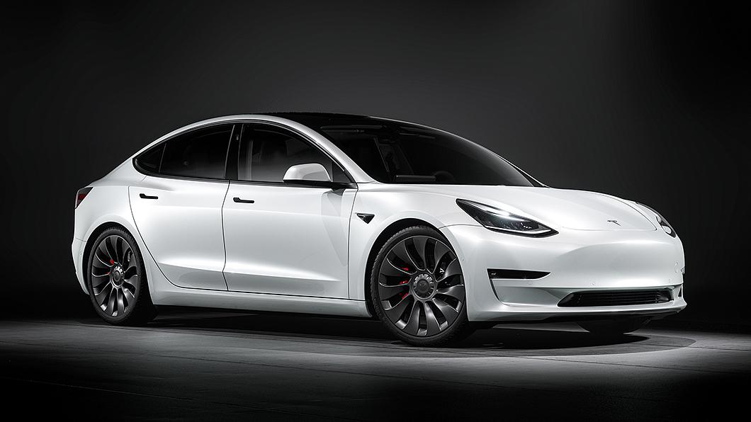隨著各品牌陸續推出電動車,未來電動車中古市場將更為活絡。(圖片來源/ Tesla) 中古電動車沒行情? 中古車專家:那可不一定