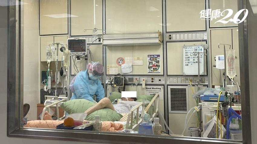 愛在疫起時/這不是件容易的事,我們卻都沒有哭泣…請尊重醫護專業