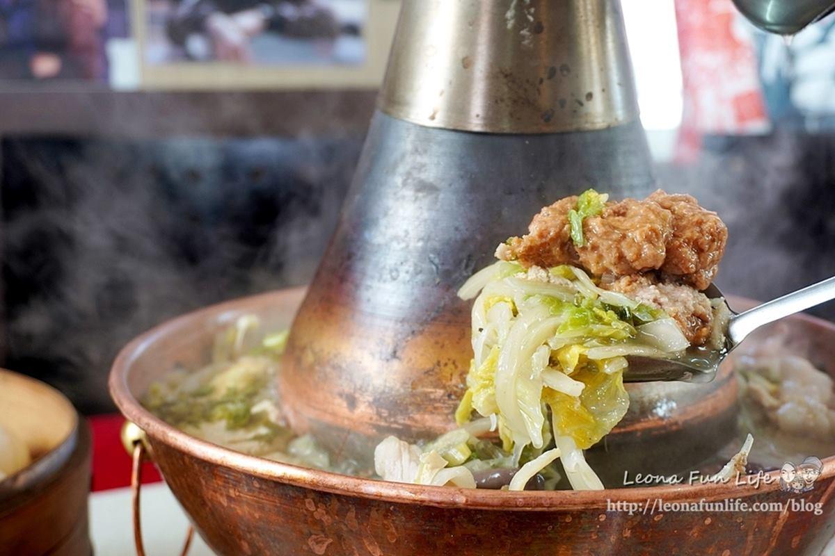 1人開吃!自然發酵「酸菜白肉鍋」外帶獨享餐只要140元,「椒鹽豬腳」外酥內嫩也必點