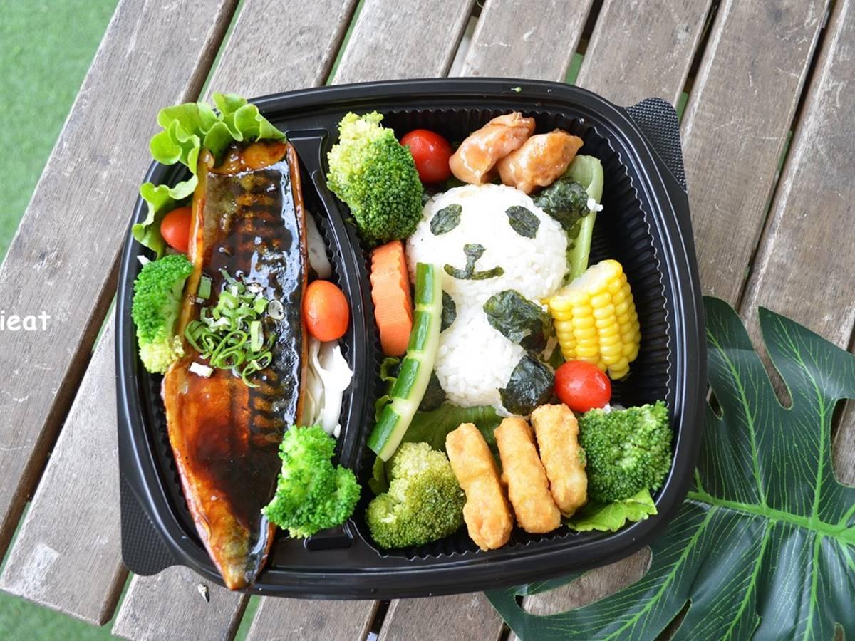 少女心噴發!人氣親子餐廳推3款「熊貓造型」餐盒,必嗑嫩煎照燒鯖魚、奶香厚蛋捲