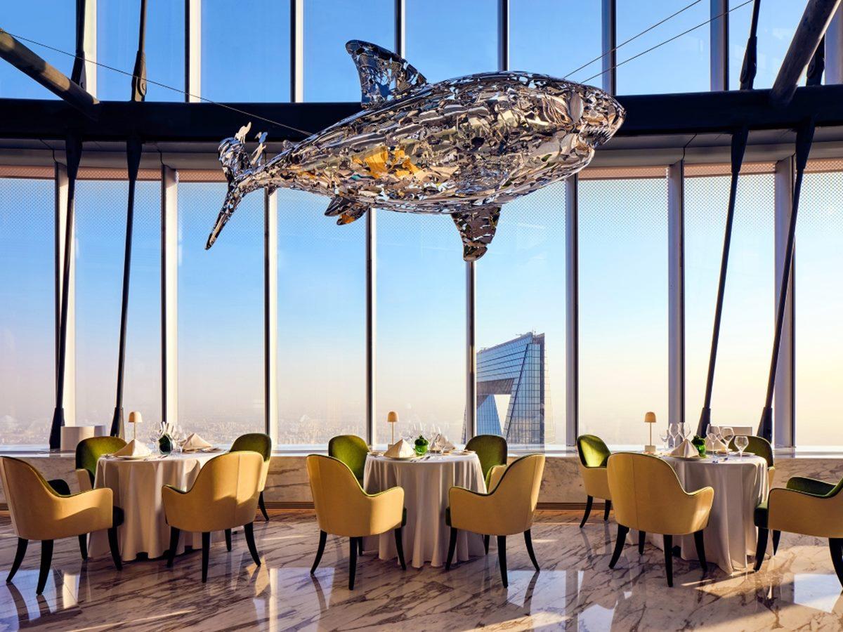 全世界最高飯店!120樓超狂景觀、全球最高餐廳打卡,房間就是「1戶帝寶」百坪空間