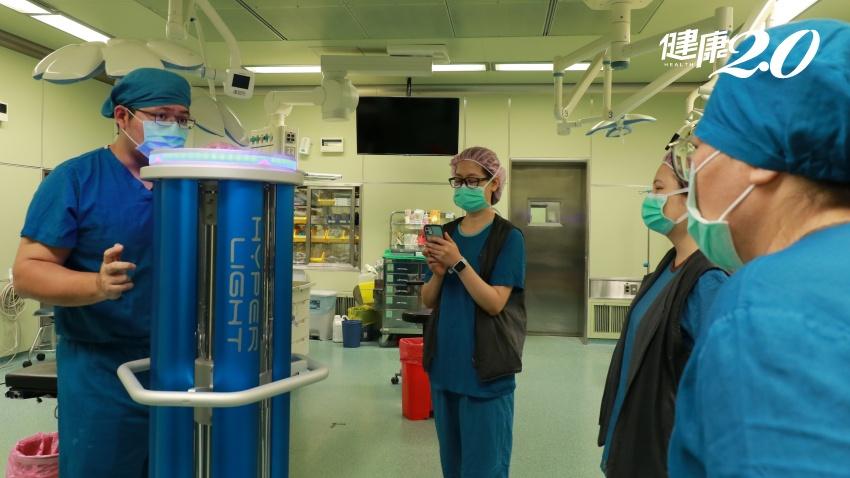 業界送紫外線滅菌機器人給臺中慈濟 紫外線燈成抗病毒利器,該怎麼用才安全?