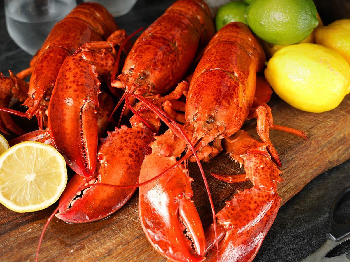 最低399元爽吃「整隻波士頓龍蝦」!5家超狂「龍蝦外帶」,獨享龍蝦、港式龍蝦都有