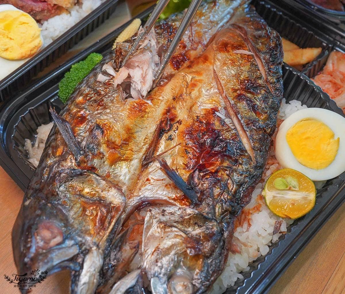 滿出來了!日式丼飯「鯖魚一夜干」比便當盒還大,爆量粉嫩「炸牛排」只要218元