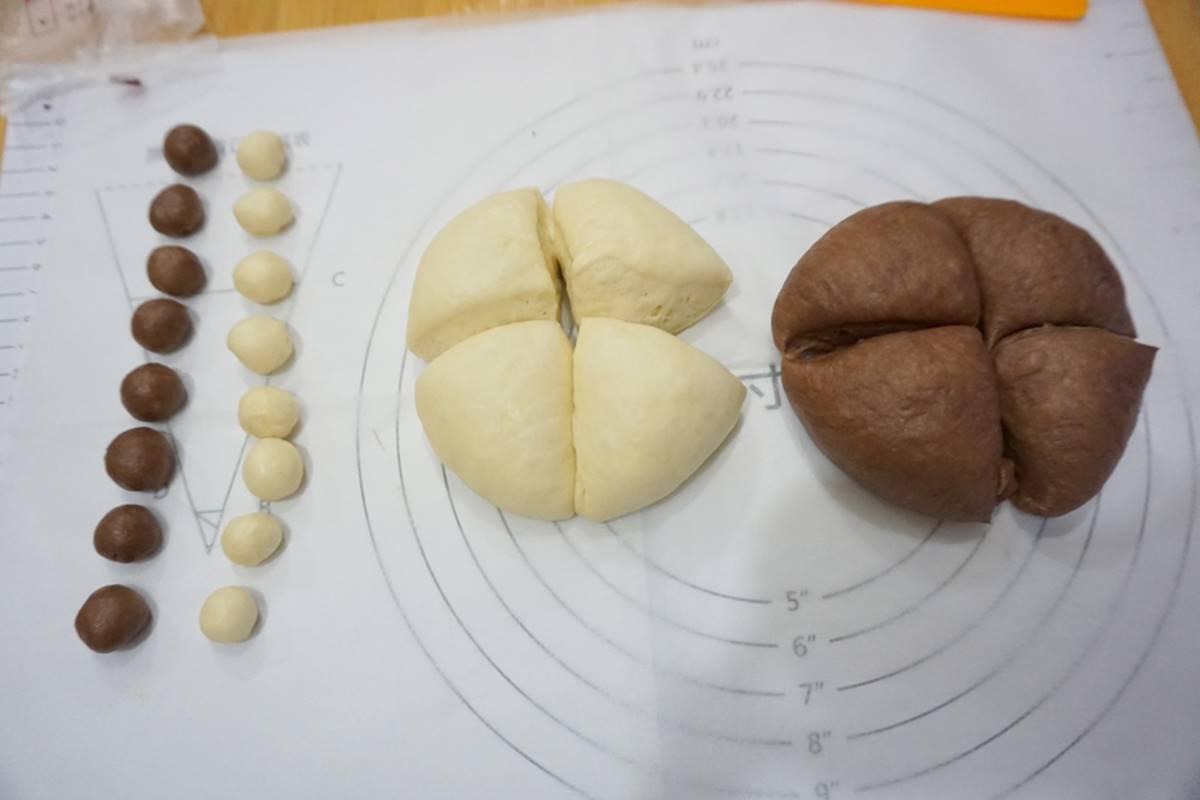把烘焙教室搬回家!超萌「拉拉熊材料包」8步驟上手,一掃QRcode還有影片教學