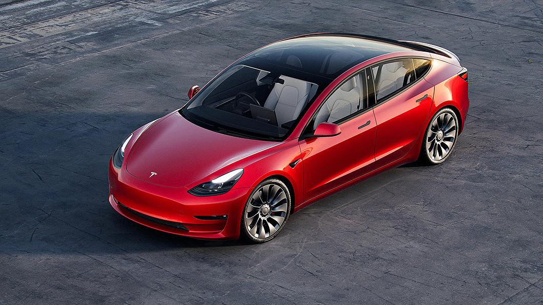 電動車到底有沒有比燃油車環保,真實結果或許會讓人大吃一驚。(圖片來源/ Tesla) 電動車什麼時候比燃油車乾淨? 總里程必須要超過這個數字!
