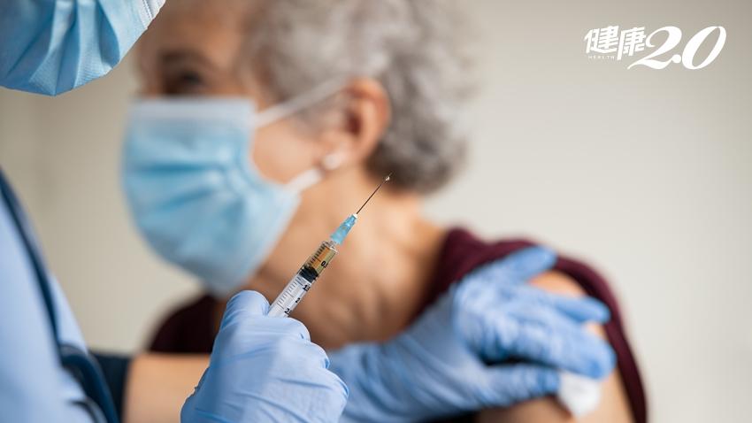 帶長輩打疫苗,子女內心好煎熬!醫曝若染疫不幸身亡,連最後一程都走的孤單