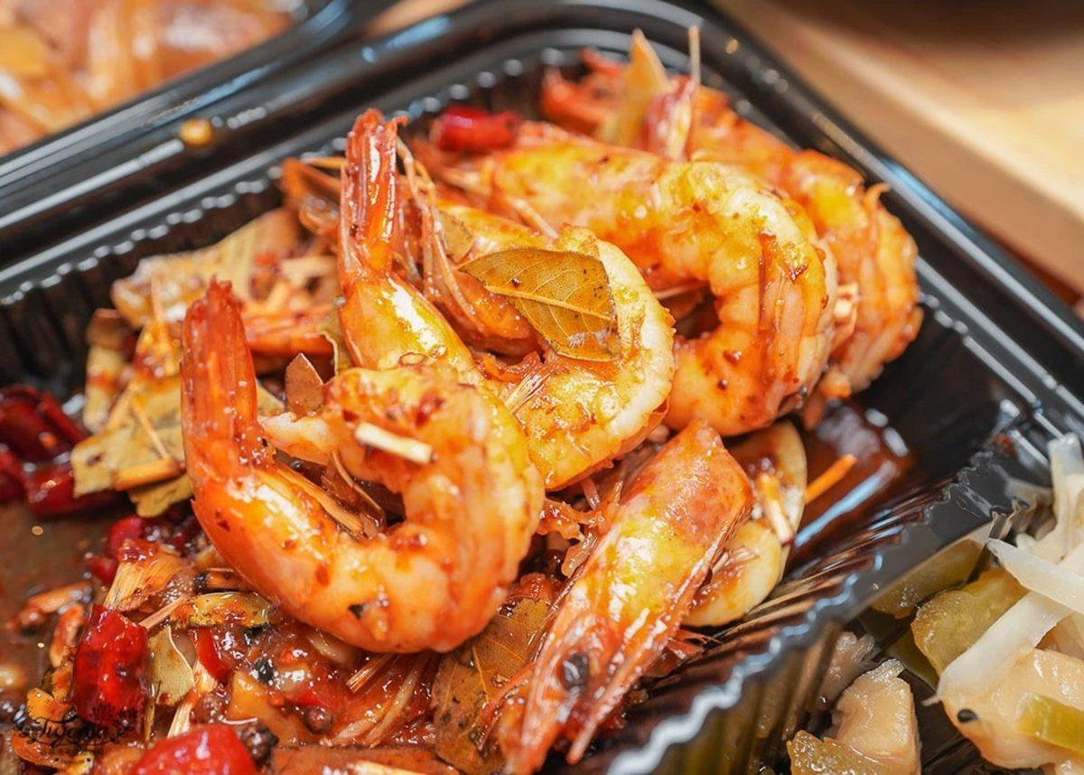 台日混搭!炊飯專賣店推「香Q釜鍋飯+台菜」餐盒,先嗑醬燒嫩雞、隱藏版「辣味燒蝦」