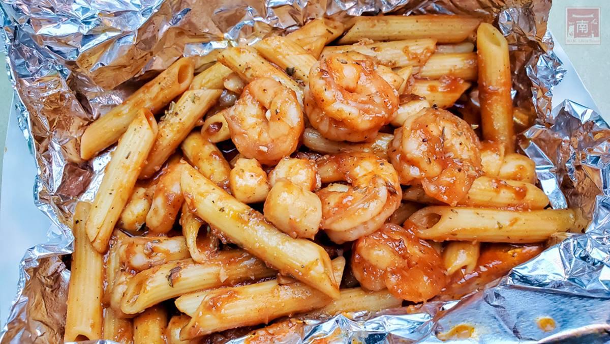 道地阿根廷料理!必吃招牌「牛肉漢堡」厚實又多汁,炸鱈魚淋「玉米濃湯白醬」香而不膩