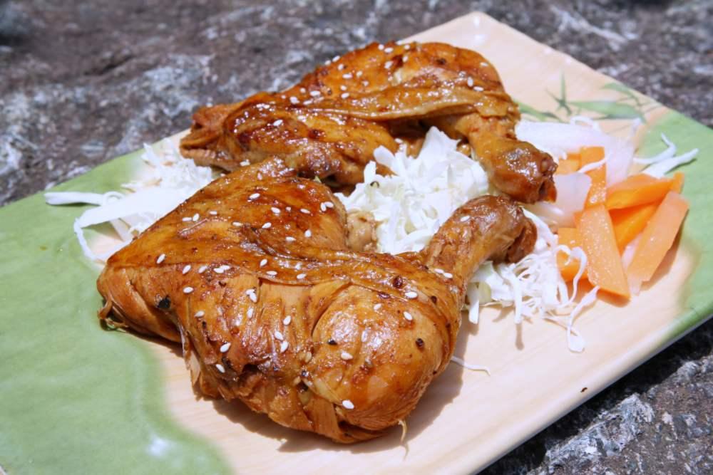 不用上山也能嗑!原民風味餐必吃脆皮鹹豬肉、樹豆滷豬腳,外帶整隻桶仔雞只要500元