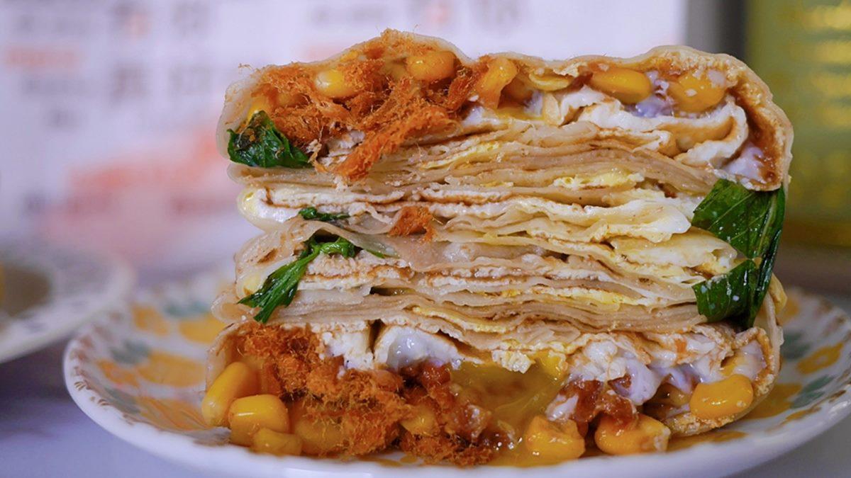 現點現擀!手工蛋餅必點超銷魂「爆漿總匯」,最推古早味「肉鬆+玉米」組合
