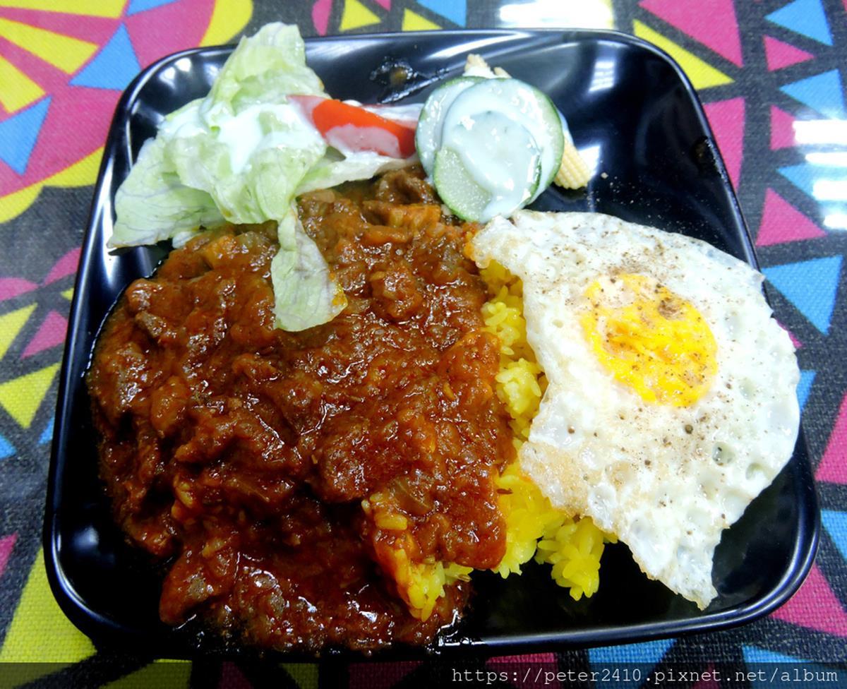 道地巴基斯坦料理!濃郁「乾咖哩」搭薑黃飯超唰嘴,窯爐炭烤「舒肥雞腿」也必點