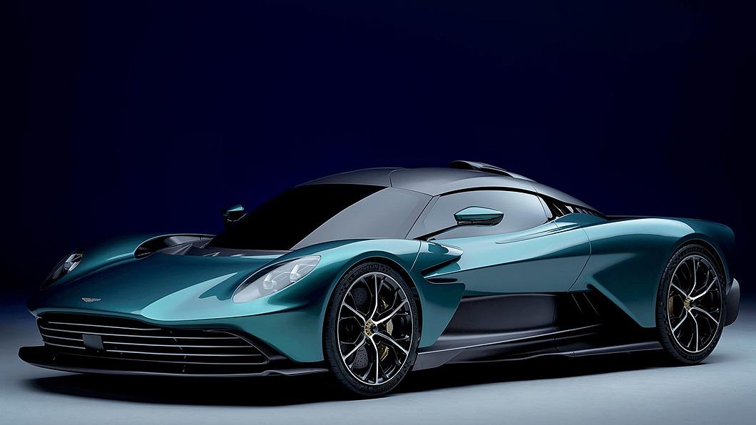 Aston Martin油電超跑Valhalla量產版終於現身,最大馬力達950匹。(圖片來源/ Aston Martin) Aston Martin發表量產油電超跑 950匹馬力純電續航只有15公里?