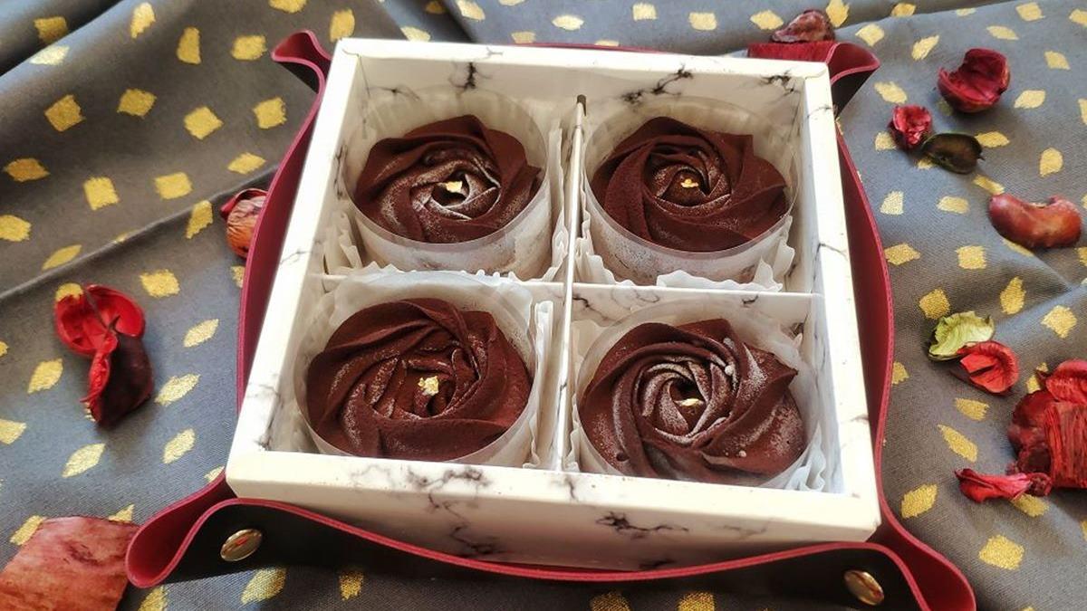 少女心爆發!IG打卡「玫瑰塔」口感綿密又酥脆,先搶限量「白蘭地巧克力」、濃抹茶口味