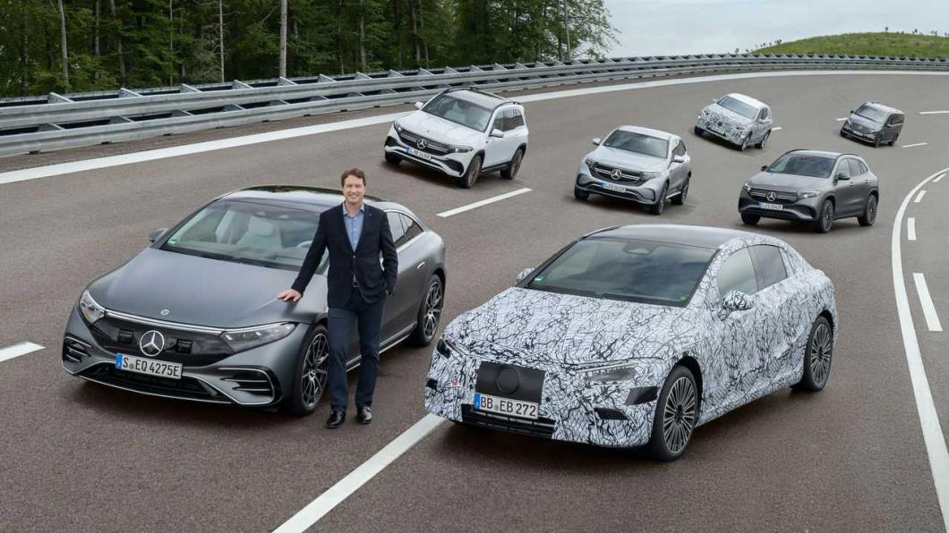 賓士將在2025年達成旗下50%車款皆是油電或是純電的目標,並且研發三種不同電動底盤。(圖片來源/ M-Benz) 賓士將推出三種純電底盤! EQXX破千公里續航里程將於2022年發表