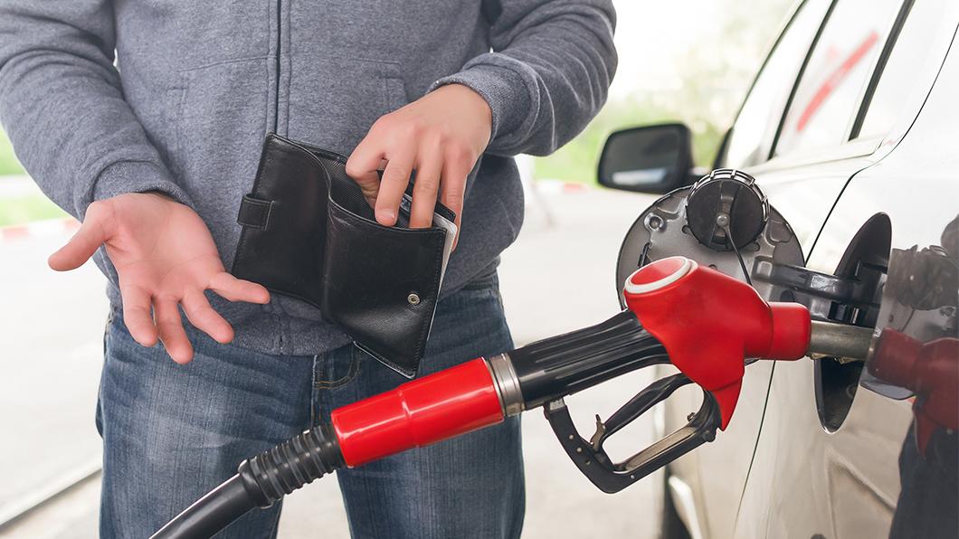 圖片來源/ Shutterstock達志影像 快訊/加油注意!明起汽油價漲0.1元 柴油降0.1元