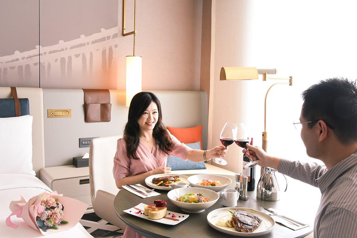 全台21家飯店「8月優惠」!近1折爽住、整套PS5免費搬回家,憑接種卡、電費帳單拿好康