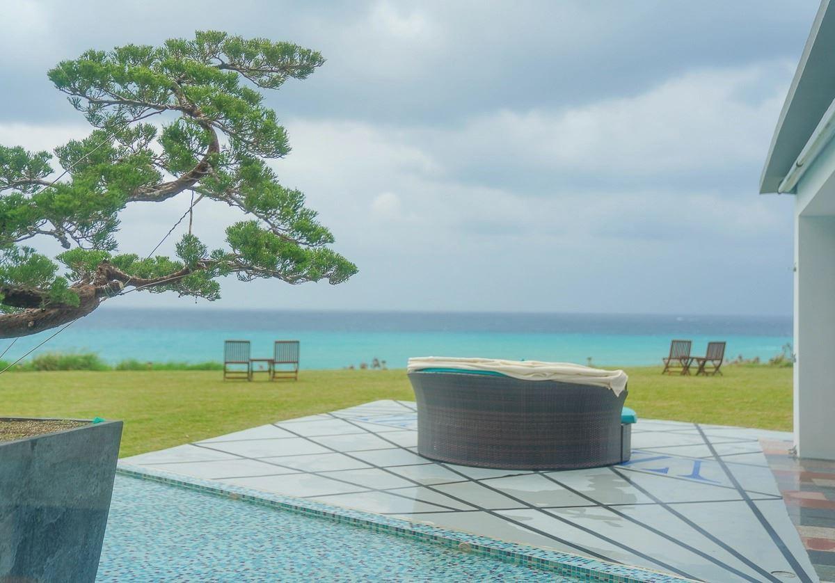 聽著浪潮入睡!5間無敵海景民宿:超Chill偽出國吊椅、療癒觀海露台、坐擁180度環景